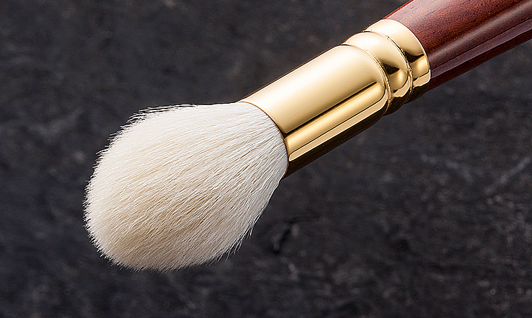 BS-HC-01 : Highlight Cheek Brush